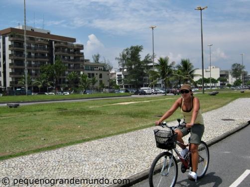 Passeio de bike pela orla do Recreio dos Bandeirantes