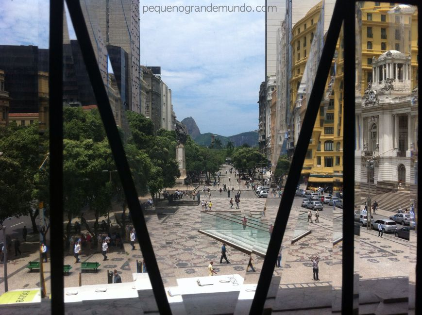 A Cinelândia vista da janela do Teatro Municipal