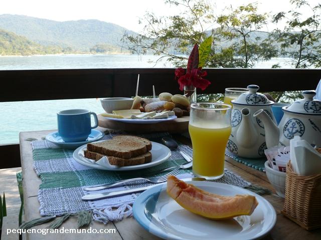 Café da manhã gourmet da Pousada Camiranga