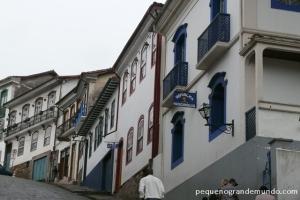 Ouro Preto: ladeiras de pedra, arquitetura colonial erepúblicas