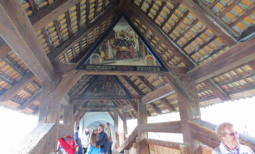 As pinturas dentro da Ponte do Moinho (Sprauerbrucke)