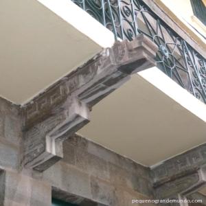 Lindo detalhe da fachada do Hotel Casa Andina