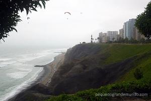 Parque do Farol e parapentes, em Miraflores