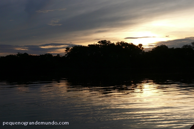 pôr-do-sol na Amazônia, Lago Mamori